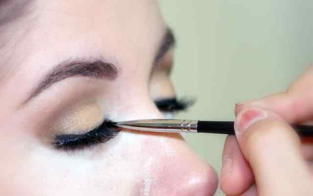Types of Makeup to Make an Impact on Every Occasion